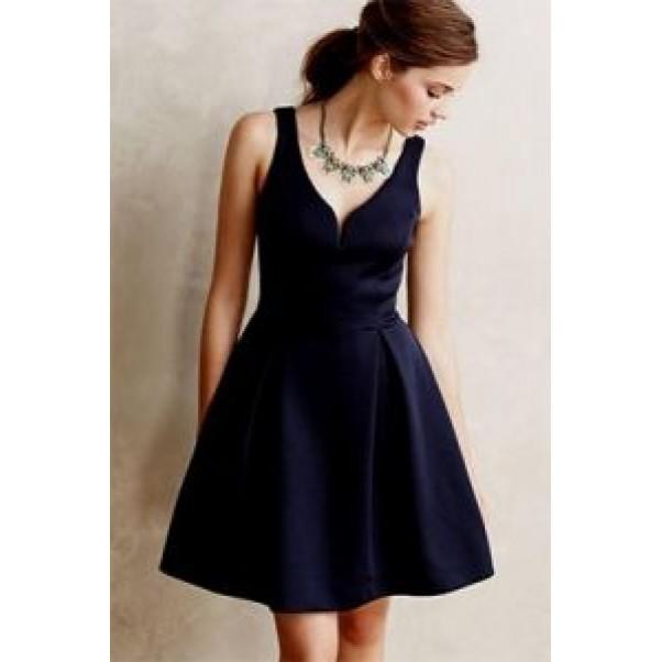 Задължителните класически рокли за гардероба на всяка стилна дама